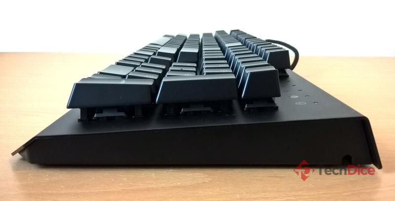 Razer BlackWidow X Chroma 07